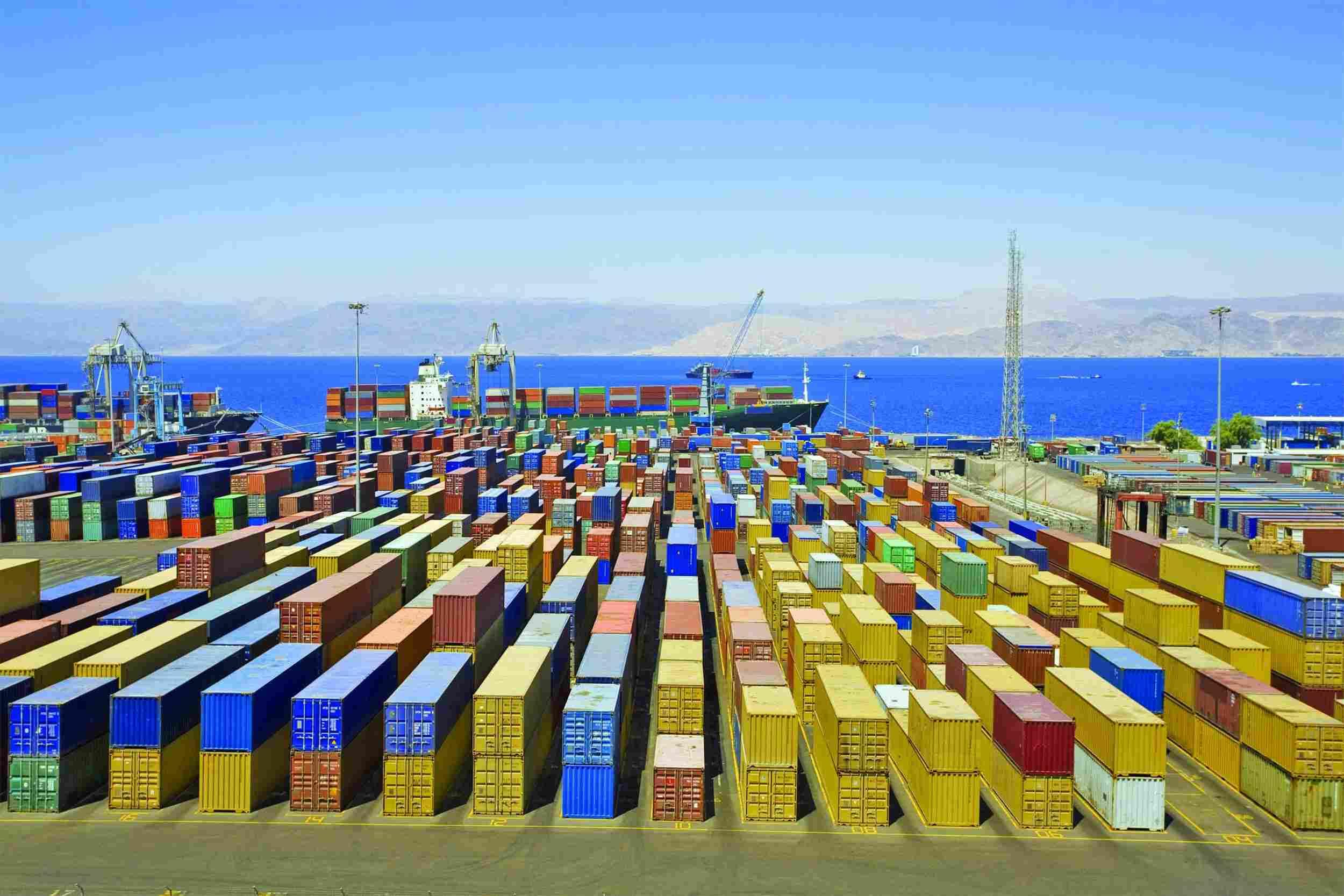 http://www.palletizedtrucking.com/wp-content/uploads/2015/09/Harbor-warehouse.jpg